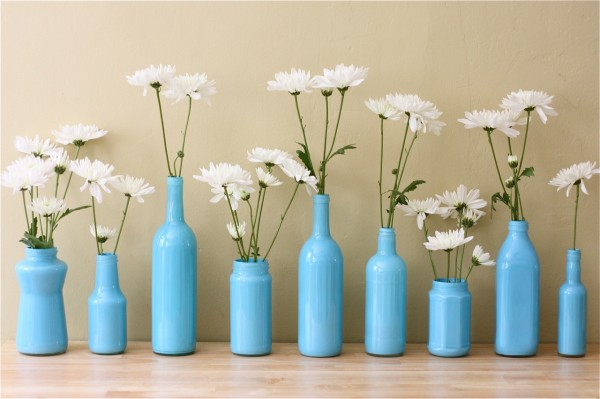 white-floral-collection-in-blue-air-brushed-bottles-600x399